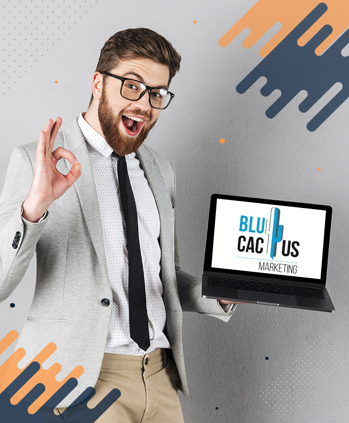 BluCactus - blije klante met laptop
