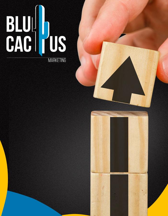 BluCactus - 3 blokjes, de bovenste met een pijl naar boven