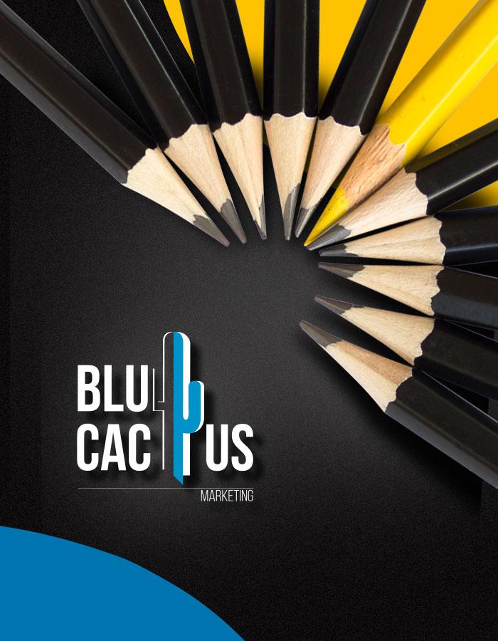 BluCactus - 10 zwarte potloden en een gele potlood in een halve circle